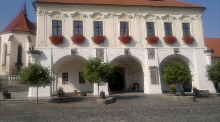 Budova radnice, Velvary