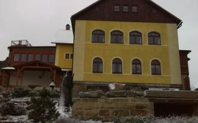 Jánské Kameny, Krompach